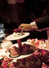 Non solo confetti, ma anche mini muffin realizzati con i temi e i colori del vostro matrimonio!