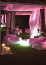 Evasioni colorate in giardino per il matrimonio