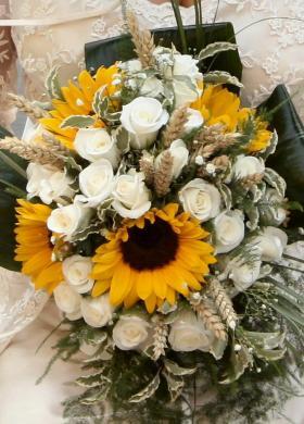 Bouquet Sposa Con Girasoli.Foto Bouquet Sposa Di Girasoli Lemienozze It