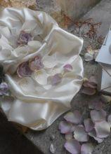 Wedding planner a Chieti - Petali di rose per gli sposi
