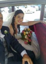 Bouquet di rose colorate per la sposa