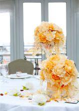 Centrotavola floreale sui toni dell'arancione