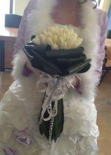 Bouquet della sposa di tulipani bianchi e strass