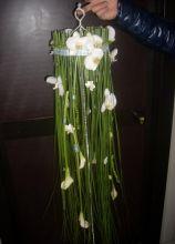 Particolare bouquet a cascata per la sposa