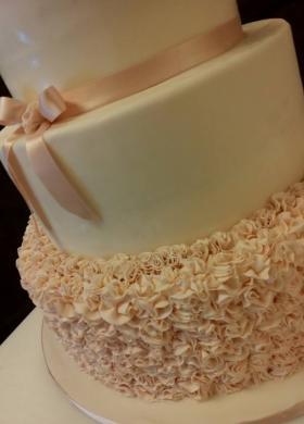 Dettaglio della decorazione della torta nuziale