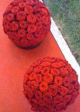 Decorazioni floreali rosse per il matrimonio