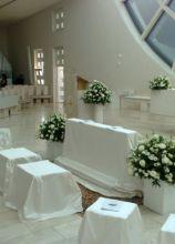 Allestimento della chiesa total white