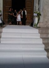 Addobbo della scalinata per la cerimonia nuziale