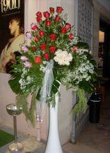 Allestimento floreale rose rosse