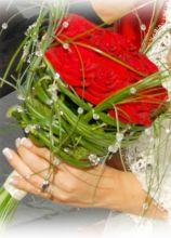Bouquet particolare con rose rosse e brillantini
