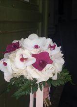 Bouquet di orchidee bianche e fucsia