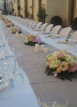 Centrotavola floreali per la tavolata di nozze
