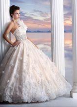 Vestito da sposa con gonna ampia