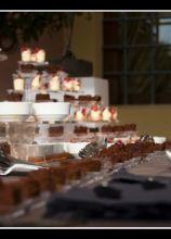 Buffet di dolci per il ricevimento di matrimonio