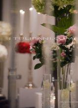 Scenografia d'interni con fiori
