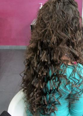 Piega effetto plastico fatta su capelli liscissimi - Rosanna Grasso acconciatura e make-up