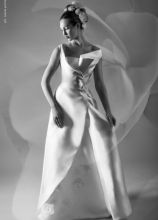 Vestito per la sposa dalla linea geometrica