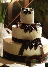Torta nuziale con cake topper