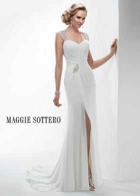 Abito da sposa liscio con spacco e spalline gioiello - Mod. Ezra Maggie  Sottero d807de1cb47