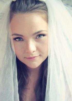 Il trucco ideale per una sposa giovane