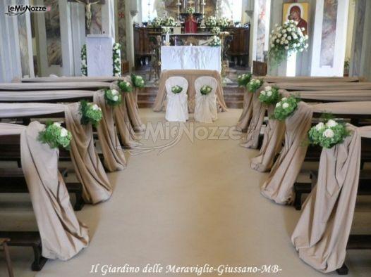 Addobbo floreale dei banchi per la chiesa il giardino delle meraviglie decorazioni floreali - Il giardino delle meraviglie ...