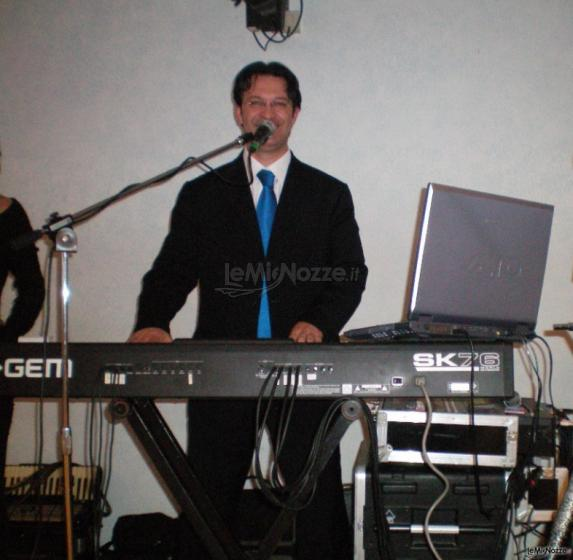 Gruppo Taeda Band per matrimoni - Roberto alla tastiera
