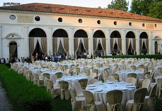 Allestimento del matrimonio in giardino villa foscarini rossi foto 7 - Allestimento giardino ...