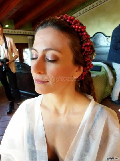 Tatiana Make up Artist - Il trucco per la sposa con particolare dell'acconciatura