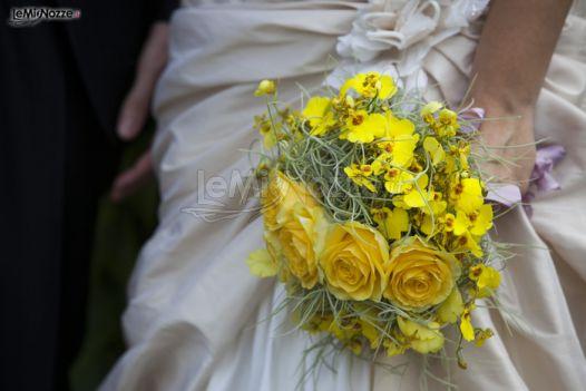 Bouquet Sposa Giallo.Foto 24 Matrimonio In Giallo Il Bouquet Della Sposa Con