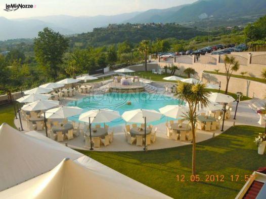 Ricevimento di matrimonio a bordo piscina la conchiglia for Addobbi piscina per matrimonio