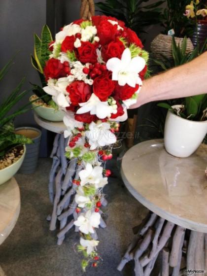 Estremamente Foto 31 - Bouquet a cascata - Bouquet a cascata con rose rosse e  SH77