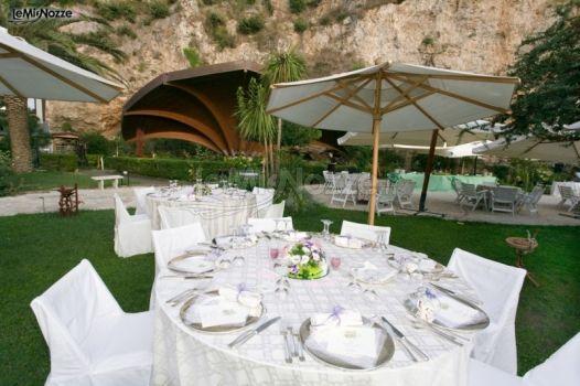Matrimonio Spiaggia Gaeta : Allestimento tavoli per il matrimonio hotel serapo foto