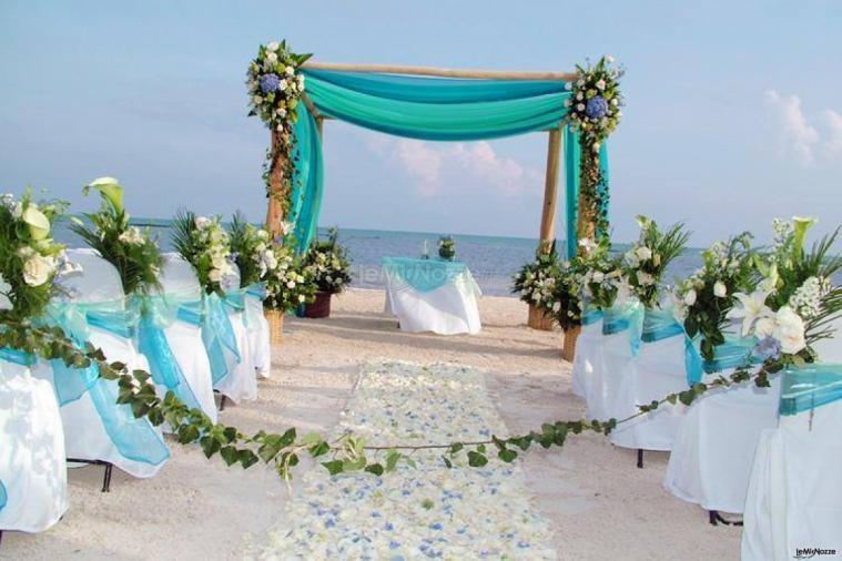 Matrimonio Spiaggia Gallipoli : Zeus beach matrimonio in spiaggia in salento lemienozze.it
