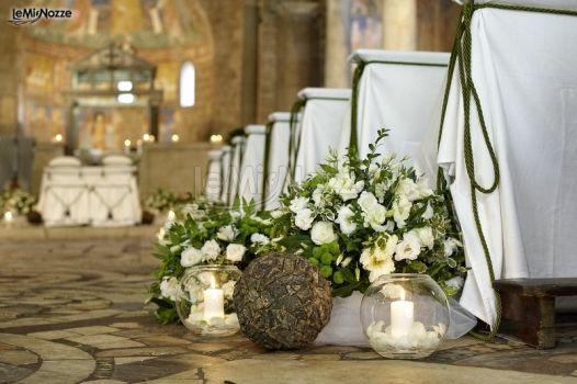 Matrimonio Country Chic Torino : Fiori e candele per un allestimento country chic della cerimonia di nozze