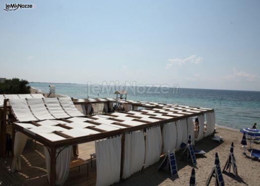 Gazebo Matrimonio Spiaggia : La spiaggia della location di nozze con gazebo per il