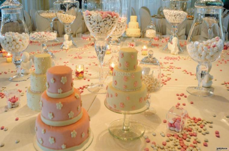 Villa Vergine - Il tavolo dei dolci e dei confetti