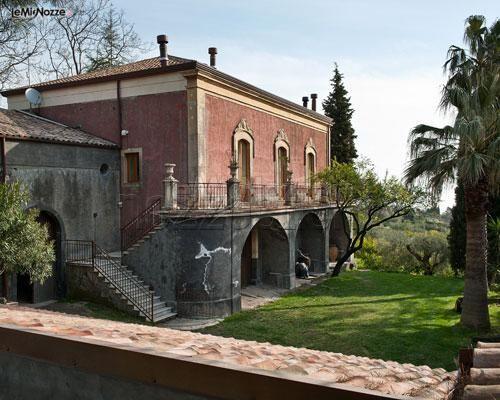 Esterno dell'hotel per ricevimento di matrimonio Monaci Delle Terre Nere
