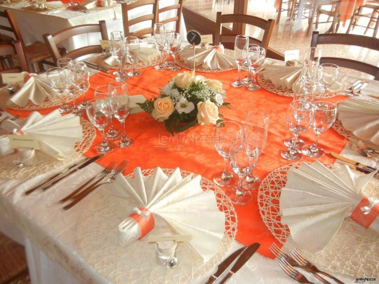 Da Valentino Ristorantino Agricolo - Preparativi in arancio