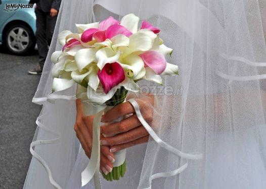 Bouquet Sposa Fucsia.Foto 103 Bouquet Sposa Fiori Bianchi E Fucsia Per Il