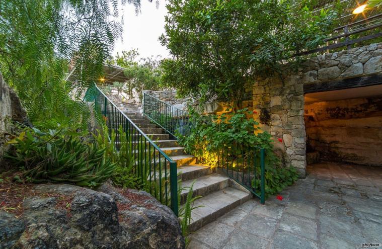 Masseria San Lorenzo - La scala del giardino delle cave