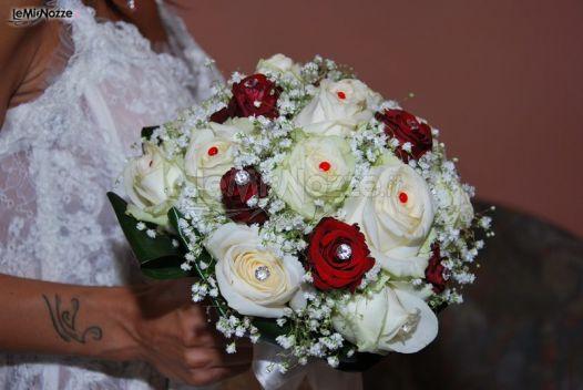 Foto 2 bouquet originali bouquet particolare di rose for Immagini con i brillantini