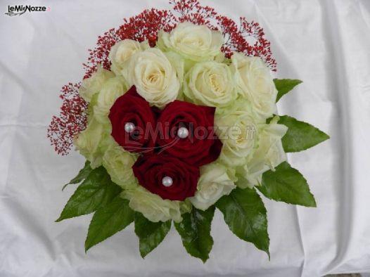 Bouquet Sposa Rose Bianche E Rosse.Foto 36 Bouquet Sposa Bouquet Con Rose Bianche E Rosse