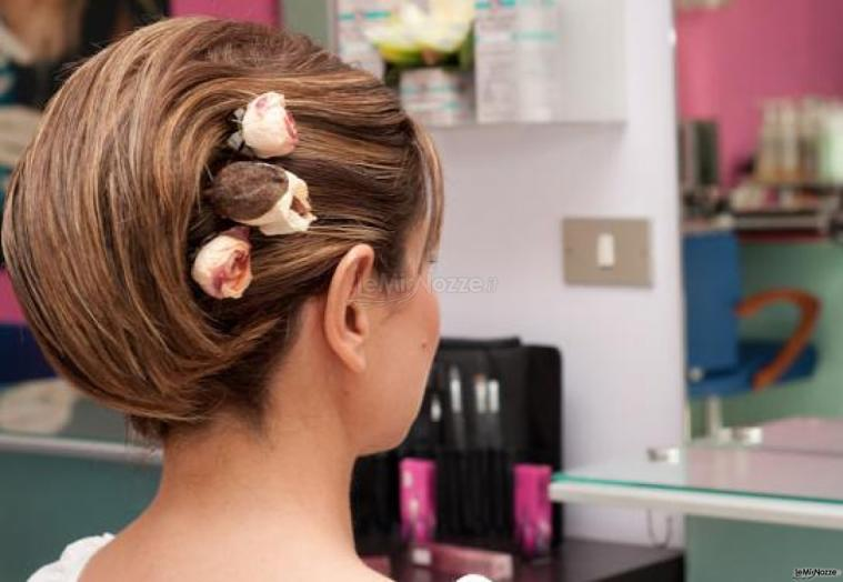 Acconciature testimone di nozze capelli corti