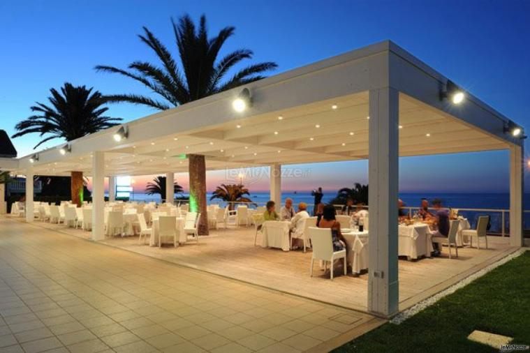 Matrimonio Vista Mare Toscana : Terrazza vista mare per il matrimonio sporting hotel