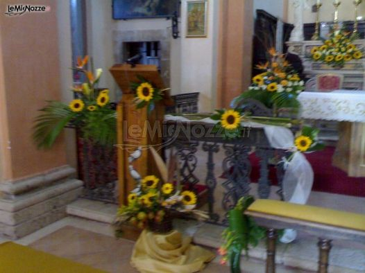 Matrimonio Girasoli Chiesa : Foto addobbi floreali chiesa e cerimonia girasoli