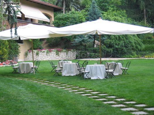 Allestimento del matrimonio in giardino maso speron d for Allestimento giardino matrimonio
