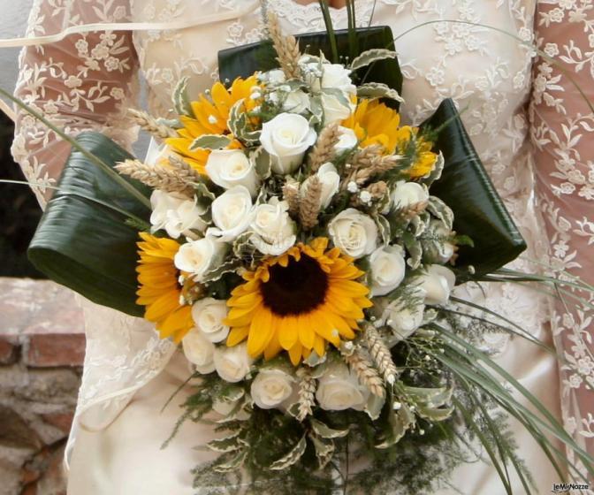 Matrimonio Coi Girasoli : Foto bouquet di girasoli bouquet con girasoli lemienozze