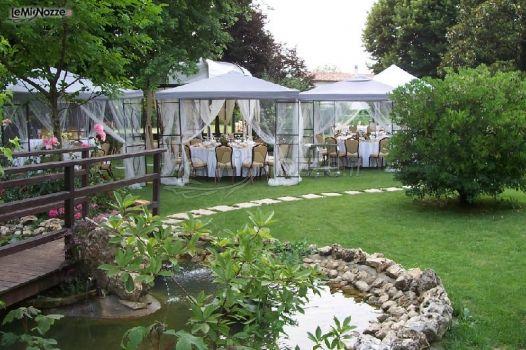 Matrimonio In Giardino : Matrimonio in giardino sotto il gazebo villa faggiotto