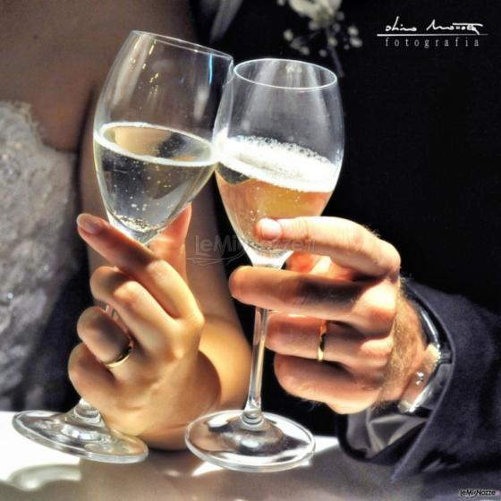 Studio Fotografico Dino Mottola - Il brindisi degli sposi