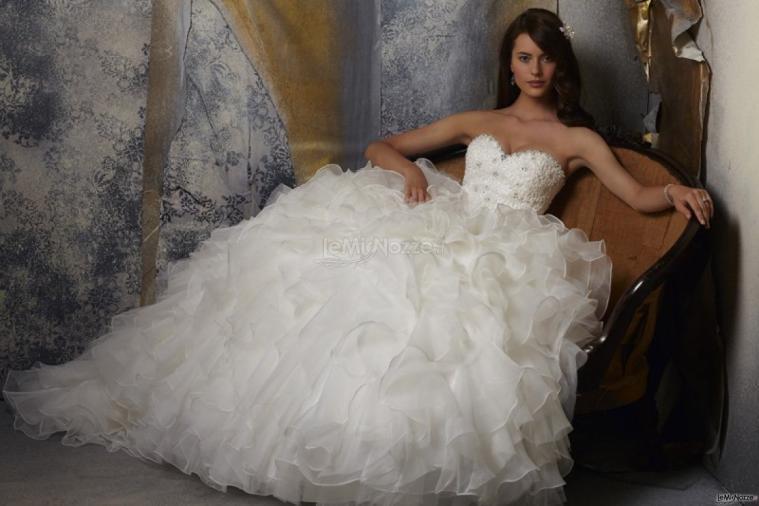 ec00724b451a Foto 107 - Abiti da sposa principeschi - Abito da sposa dal corpetto ...